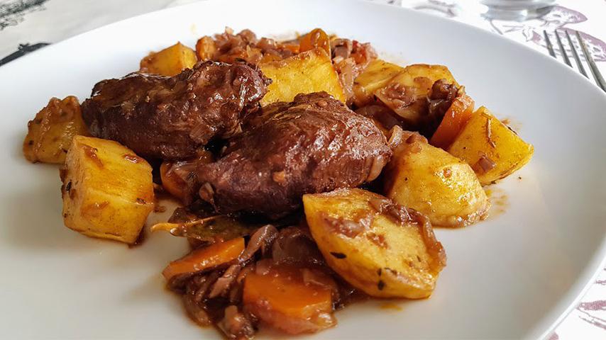 Recetas con carne de cerdo. Carrilleras de cerdo al horno.